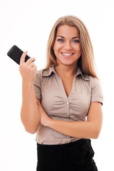 Jeune femme d'affaires en attente d'un appel