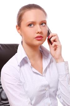 Jeune, femme affaires, conversation téléphone