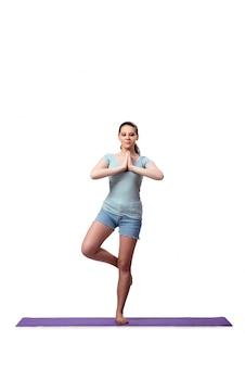 Jeune femme au concept sportif isolé