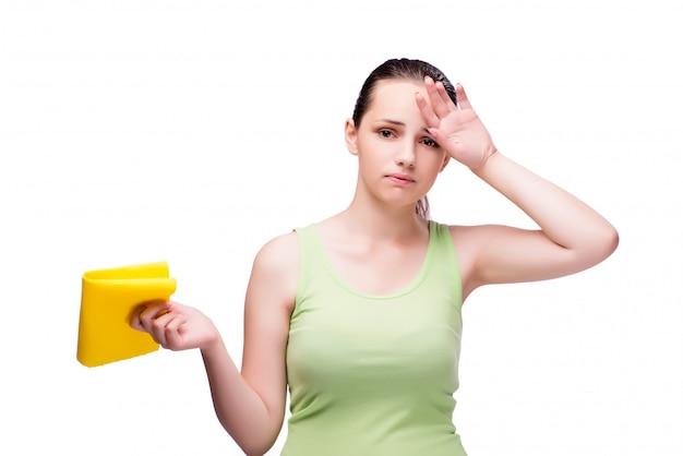 Jeune femme au foyer dans le concept de nettoyage