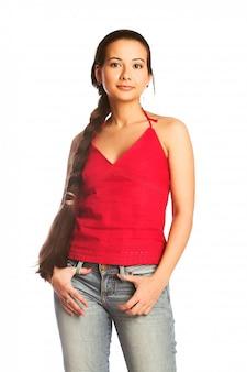 Jeune femme aux cheveux longs