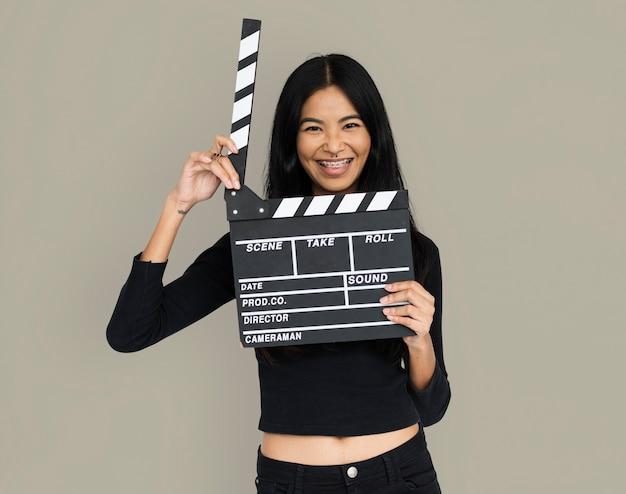 Jeune femme, croptop, tenue, clap