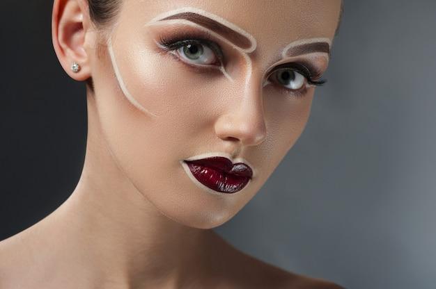 Jeune, femme, fantaisie, maquillage