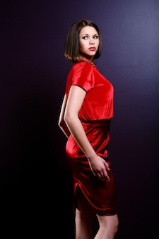 Jeune femme fashion et glamour