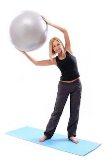 Jeune, femme, fitness, balle