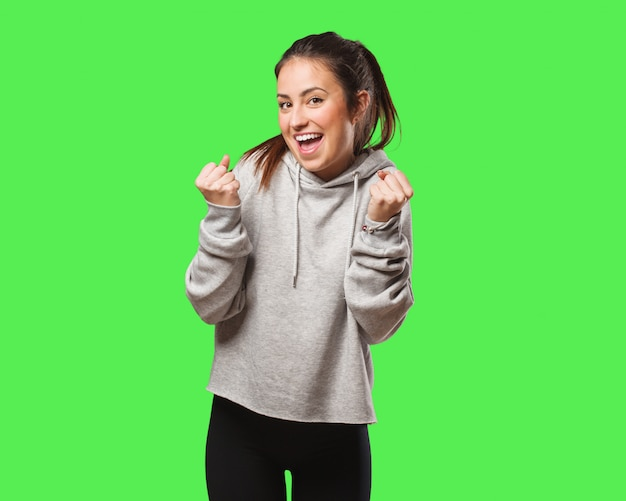 Jeune femme fitness surpris et choqué