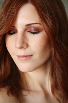 Jeune femme, à, maquillage cool