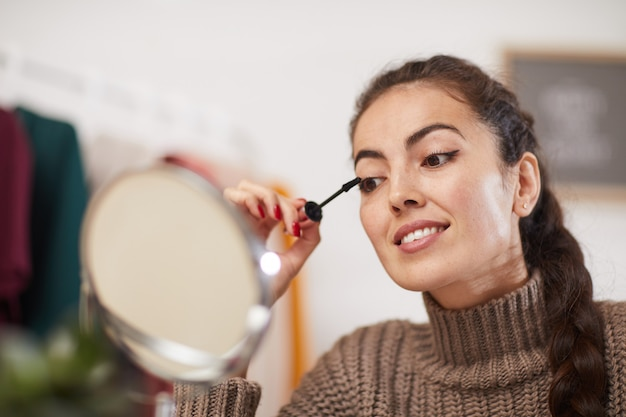 Jeune femme, maquillage