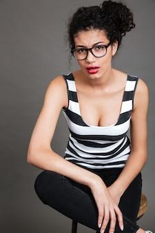Jeune, femme, porter, lunettes