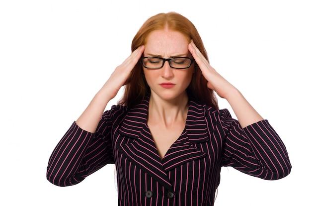 Jeune femme tenant ses tempes avec maux de tête