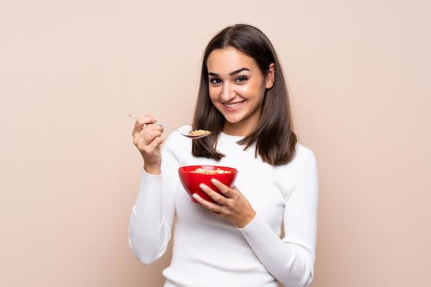 Jeune, femme, tenue, bol, céréales