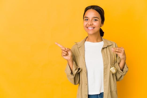 Jeune femme, tenue, a, montre gousset