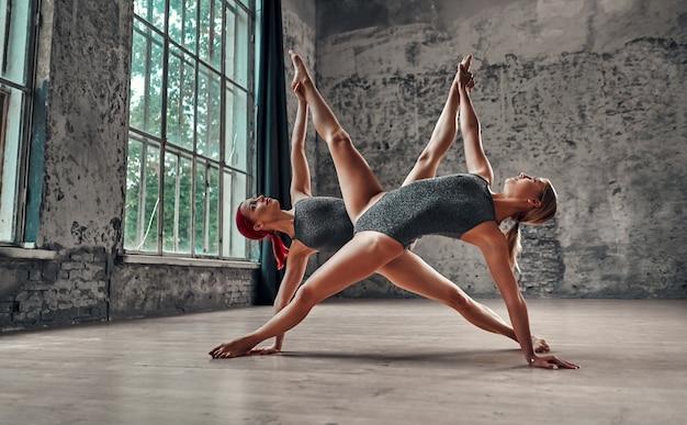 Jeune, femme, yoga