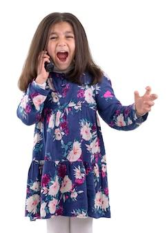 Jeune fille ayant un appel téléphonique