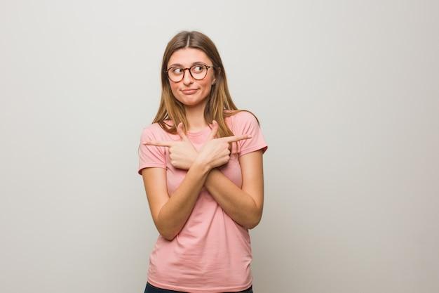 Jeune fille naturelle russe choisir entre deux options