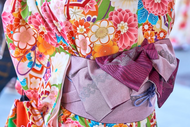 Jeune fille, porter, kimono japonais, debout