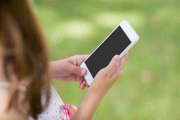 Jeune fille, utilisation, téléphone portable