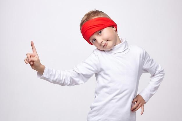 Jeune garçon, porter, bandeau, portrait