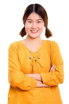 Jeune, heureuse, femme asiatique, sourire, à, bras croisés