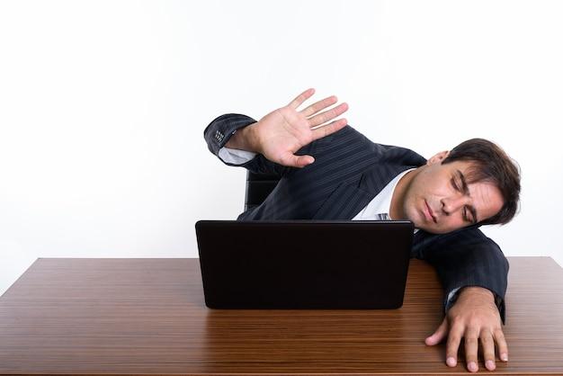 Jeune homme d'affaires persan endormi