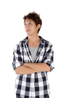 Jeune homme asiatique, portrait agrandi sur mur blanc.