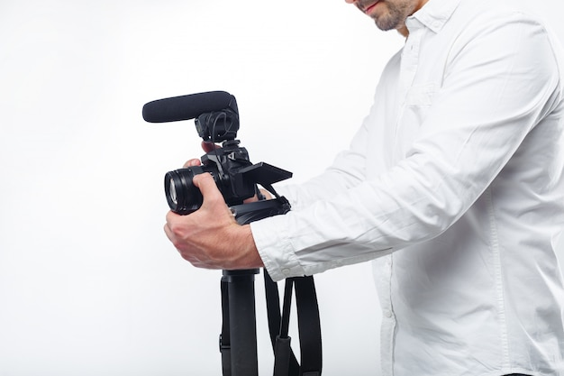 Jeune homme photographe