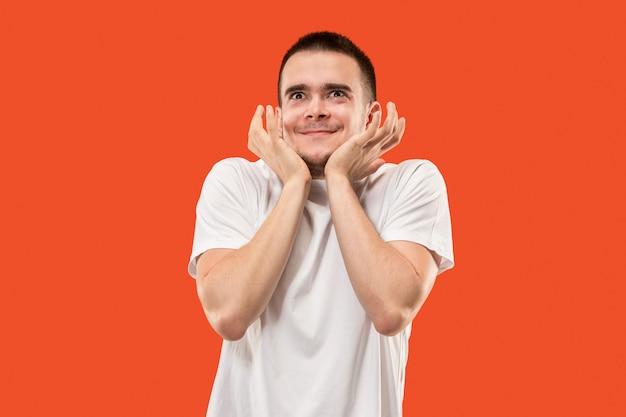 Jeune homme séduisant à la surprise