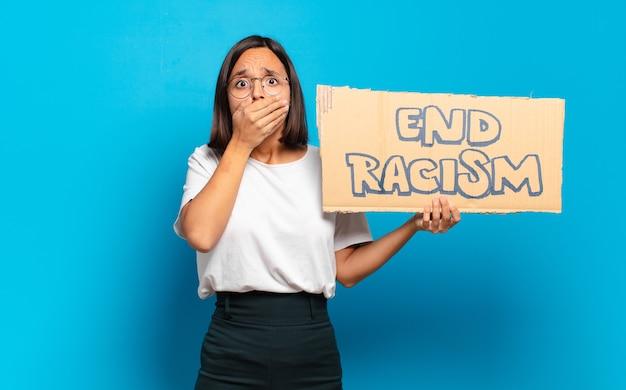 Jeune jolie femme. mettre fin au concept de racisme