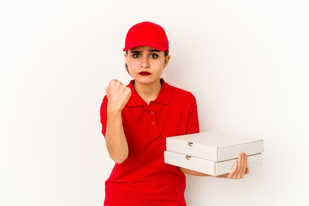 Jeune livreuse de pizza arabe maigre surprise et choquée.