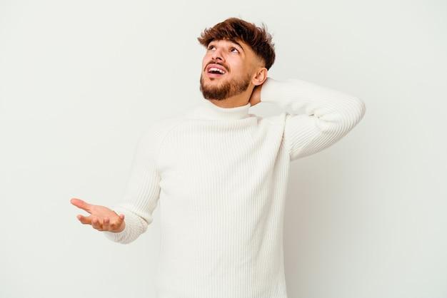Jeune marocain hurlant de rage.