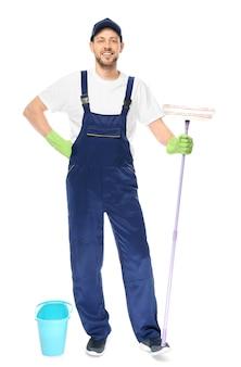 Jeune nettoyant pour vitres sur blanc