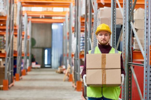 Jeune, ouvrier, tenue, boîte
