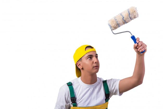 Jeune peintre réparateur avec rouleau isolé sur blanc