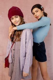 Jeunes filles ensemble