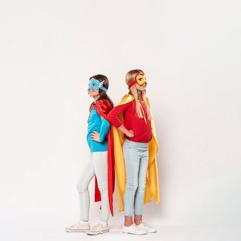 Jeunes filles, porter, super-héros, déguisement