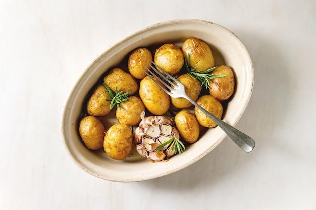 Jeunes pommes de terre au four