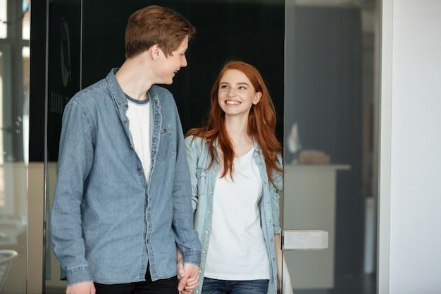 Joli couple, regarder, autre