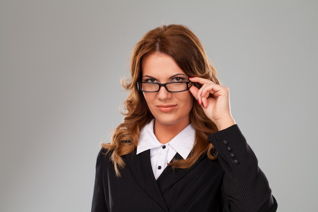 Jolie femme d'affaires caucasien