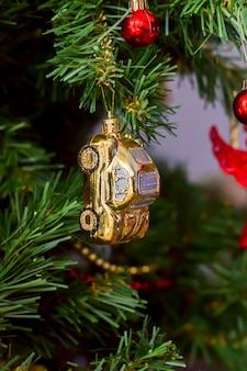 Jouet arbre de noël, voiture d'or