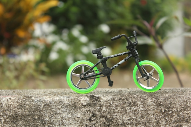 Jouet biciculaire