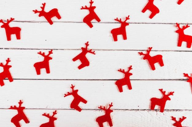 Jouet cerf rouge décoratif