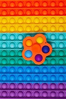 Jouet populaire fossette simple sur une surface en silicone pop it espace de copie de mise au point sélective