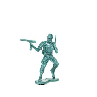 Jouet de soldats miniature vert sur fond blanc
