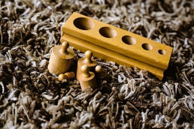 Jouets en bois à apprendre dans le domaine des mathématiques chez les enfants