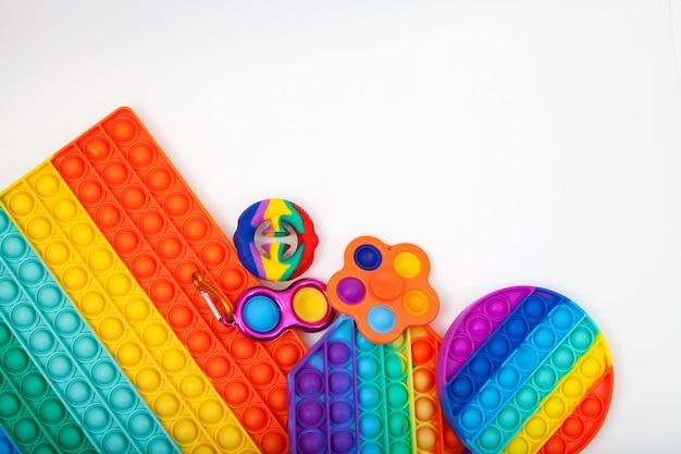 Jouets à la mode pop it push pop fidget jouet snapperz simple fossette sur fond clair