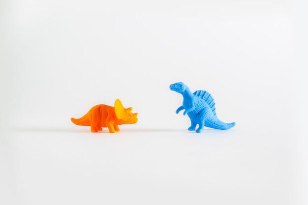 Jouets en plastique de dinosaures