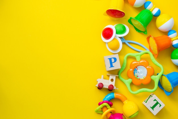 Jouets pour enfants pour un nouveau-né.