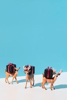 Jouets renne transportant des cadeaux