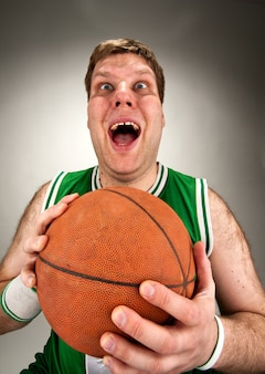 Joueur de basket bizarre