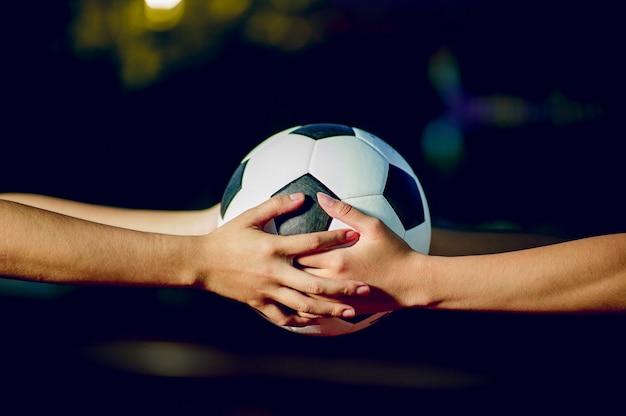 Joueur de football pour exercer le concept de football et il y a un espace de copie.